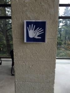 CROUS symbole des mains